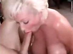 Ponarejenega prsi kurba zajebal trde v rit