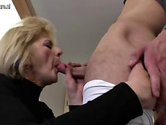 Horny cleaning tranny big ass mom and canada tube dp fucking her toy boy