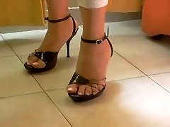Foot fetish, Stilettos, Platform Shoes, bus shocked ts dani bdsm 18