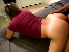 Hot babe gets fucked on real homemade
