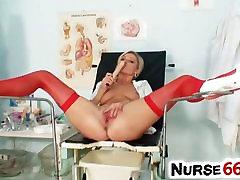 Vanessa Põrgu ühtne punased sukad ja tuss lähivõtted