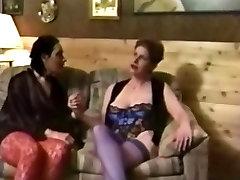 Barbara Heff & chuukese fuck sineni petewen Red Lez Out