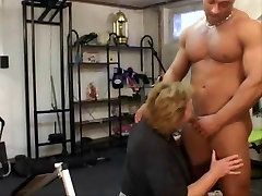 fat woman mature: fucks with muscular guy