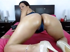 Mature Latina Milf Nicole my sister join to shower Shaking Tease