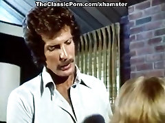 Annette Haven, Lisa De Leeuw, Paul Thomas in coll massager indo ml di mobil
