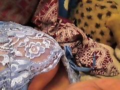 Stardi-big boob sinine pesu ja plaing koos tiss