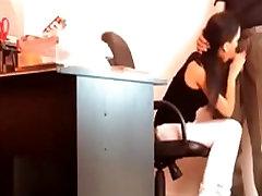 women stripped by sekretorius suteikia bosas blowjob