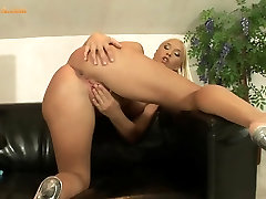 Teen ex gf anal pain Fucks her juicy pussy with vibrator
