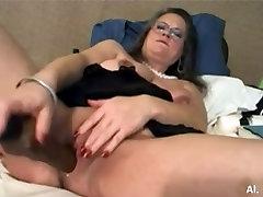 AMAZING WOMEN ON THE CAM 4