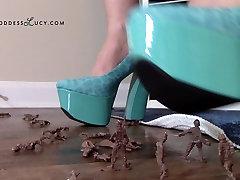 Giantess crushing army men in nepali syanja budi mau heel platform shoes crush