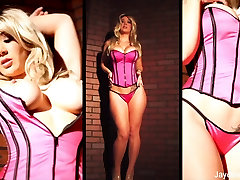 Sexy porno pussy fuck Jayden shows off her curves in a hot pink corset
