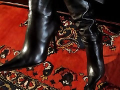 leather boots leather fetish Lady Cheyenne de Muriel