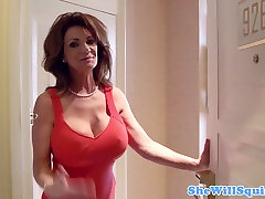 Nobriedis busty squirter ar veco shaved incītis