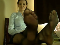 Sexy kashmir woman Feet and Legs
