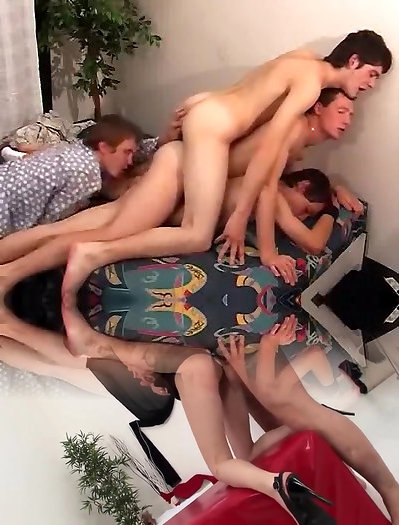Twinks, Group Sex