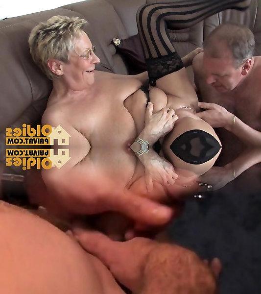 Bodybuilderin Monsterschwanz Schoen Partysex