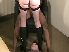 he helps his wife (cuckold)