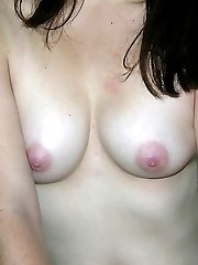 Amateur Teen With Glasses Modeling Nude