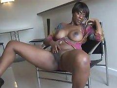 Hot & Sexy Ebony Brit MILF