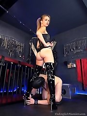 Young Dommes Sex Slave
