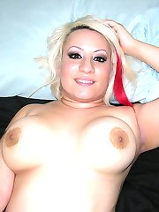 Blonde BBW Babe With A Plump Thick Ass Modeling Nude