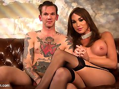 TS Seduction presents the debut of the ultimate femme fatale, Jonelle Brooks. Gorgeous and...
