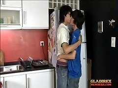 Kitchen date ends in steamy barebacking for boys
