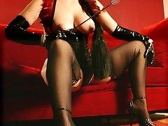 High heeled kinky latexmistress