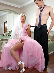 Salacious bride in white pantyhose jumping on cock before wedding ceremony