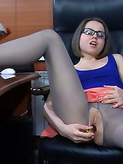 Gassy assistant takes a break for toy play having no panties under her hosepipe