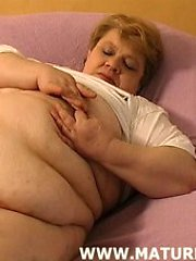 huge bitch playing with her fat cunt