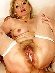 Horny mama gets a off the hook sicko internal ejaculation