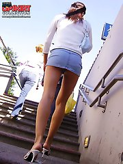 Upskirt spy cam shoots girl in park