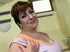 Horny mature Plumper mom loves to play alone