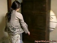 Asian Cougar has crazy sex free jav