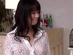 Kyouko Maki har kuk djupt i hennes färska fitta