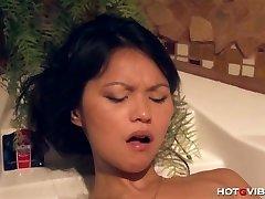 Asiático Adolescente Submarino Orgasmos