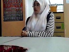 Cikgu me gusta tetek