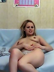 Non-professional xxx video of naked finger dance
