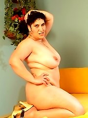 Beautiful bbw Laszlone slowly stripteases before bending over for a fuck