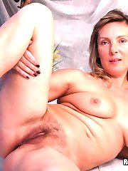 Hairy Pussy Amateur Gets Pounded