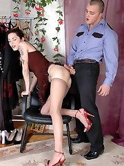Raunchy chick in sensitive pantyhose seducing policeman into frenetic smashing
