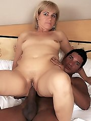 Experienced mature MILF Chamara mouthing a huge pole then heads to work railing cowgirl