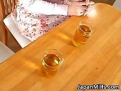 Horny japonský MILFS sania a kurva