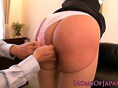 Splattering adult movie star Hana Haruna gets spanked
