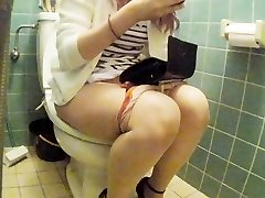 Asian junior girl restroom pt 2