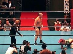 Super Hot mixed wrestling