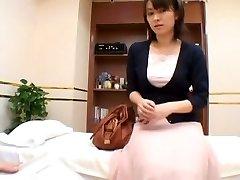 שובב סקס רופא חושניות בוחן את אסיה החולה