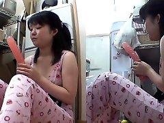 Chinese teen tucks dildo