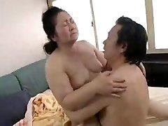 Japonski Grannies 70+ (2)